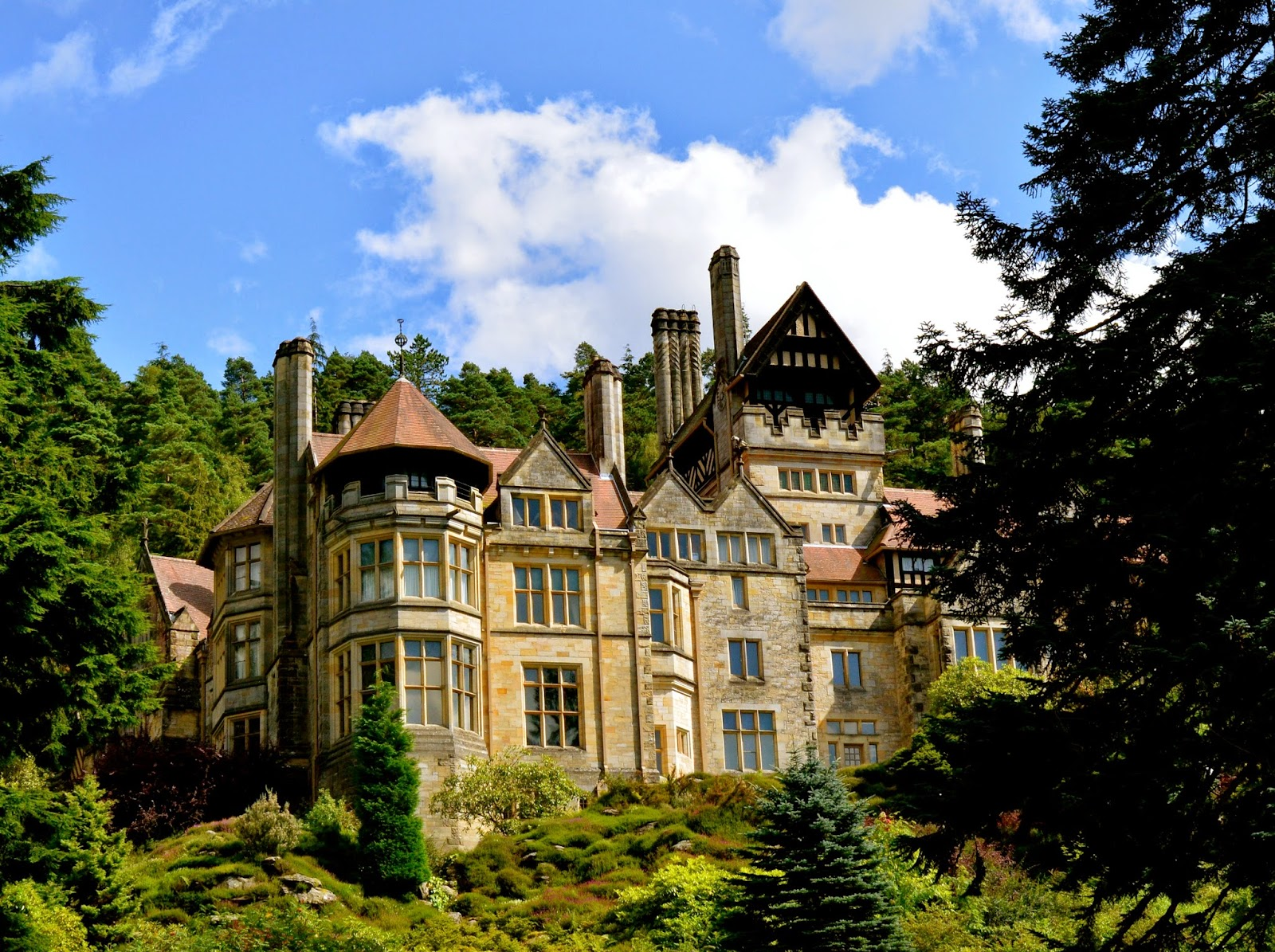 11th Century English Home - cragside_Beautiful 11th Century English Home - cragside  Trends_121577.jpg